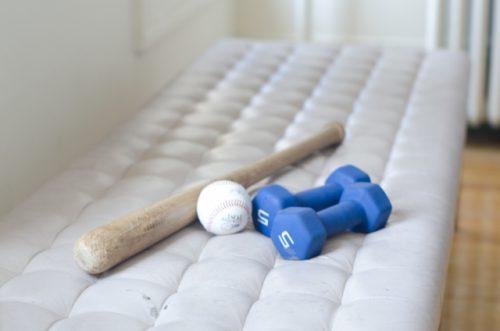 暇そうな野球道具たち