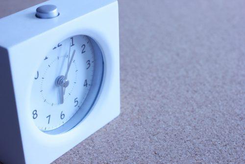 朝6時の時計